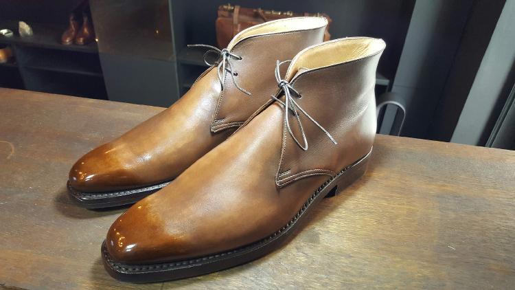 Le Glaçage des Chaussures en Cuir